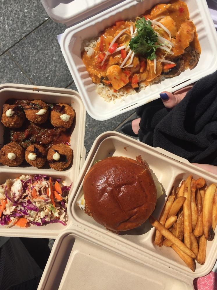 Arincini/Curry Chicken/Chicken Burger